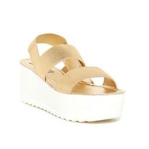 Steve Madden Zumma Platform Sandal Gold and White